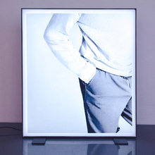 Frameless Light Box E04C0